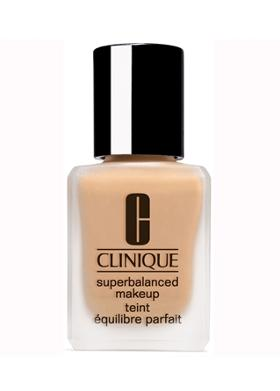 Clinique Superbalanced 03 Fondöten