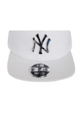 New Era Camo Metal Logo New York Yankees Unisex Şapka Beyaz